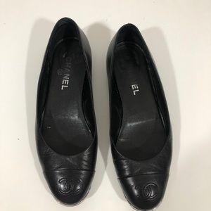 Chanel 40/9 black flats